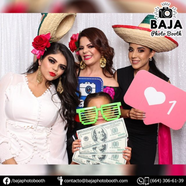 Happy Birthday Britania =) #felizcumpleaños #photobooth #cabinadefotos #tijuana #party #fiestas