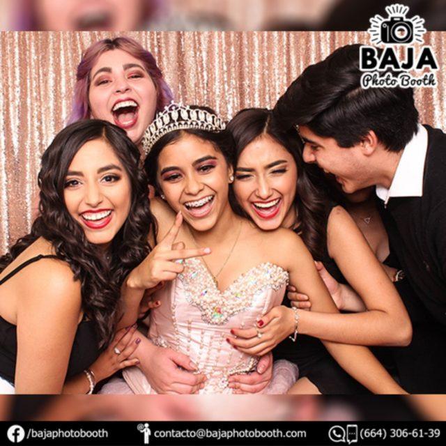 CONTRATA CON ANTICIPACIÓN (664) 306-61-39 #tijuana #nonosconfundas #diversion #calidad #8años #cabinadefotos #calidadenfotografia #bajaphotobooth #photobooth #BridalShower #babyshower #boda #wedding #party #quinceaños #xvs #xv #sixteen #despedidadesoltera #happybirthday #birthday #15años #quinceañera #accesoriosdivertidos #fotosdiveridas #funnypictures